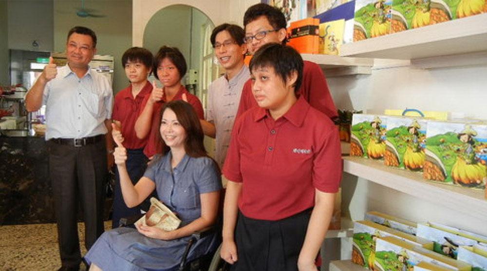 國境之南第一家庇護工場 藍色海遇琪拉烘焙坊成立